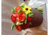 Торт с кремовыми цветами